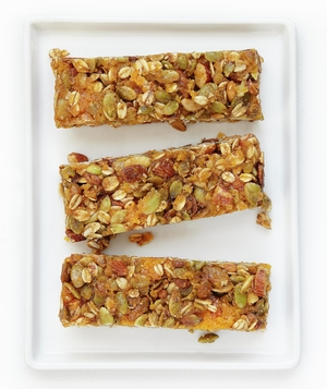 Granola Bars With Apricots, Oats, and Almonds