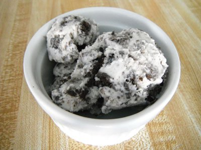 Easy Cookies 'n' Cream Ice Cream