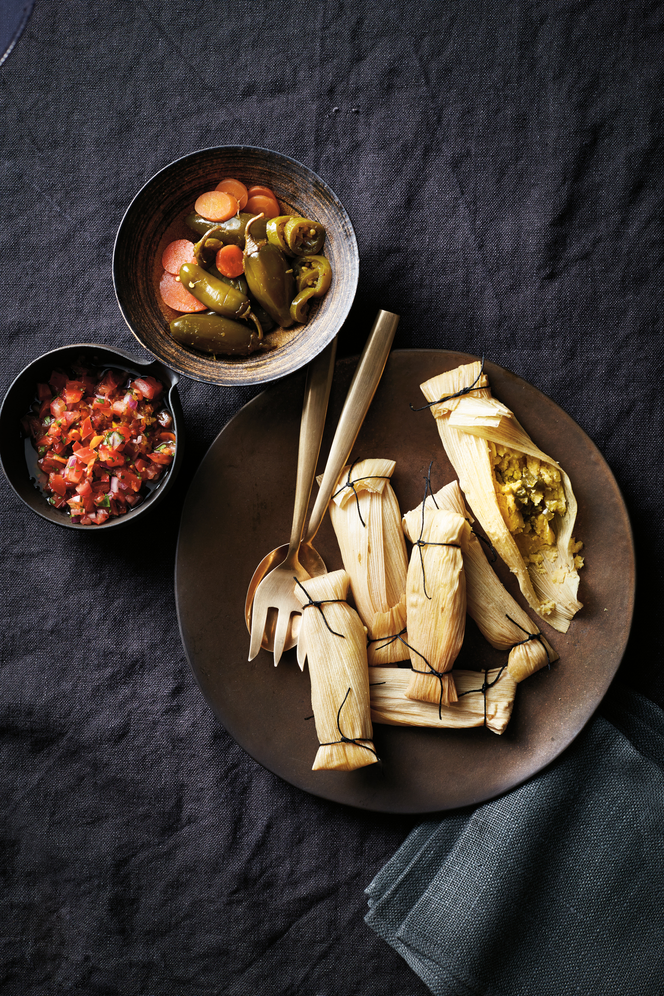 pressure-cooker-cheese-chili-tamales