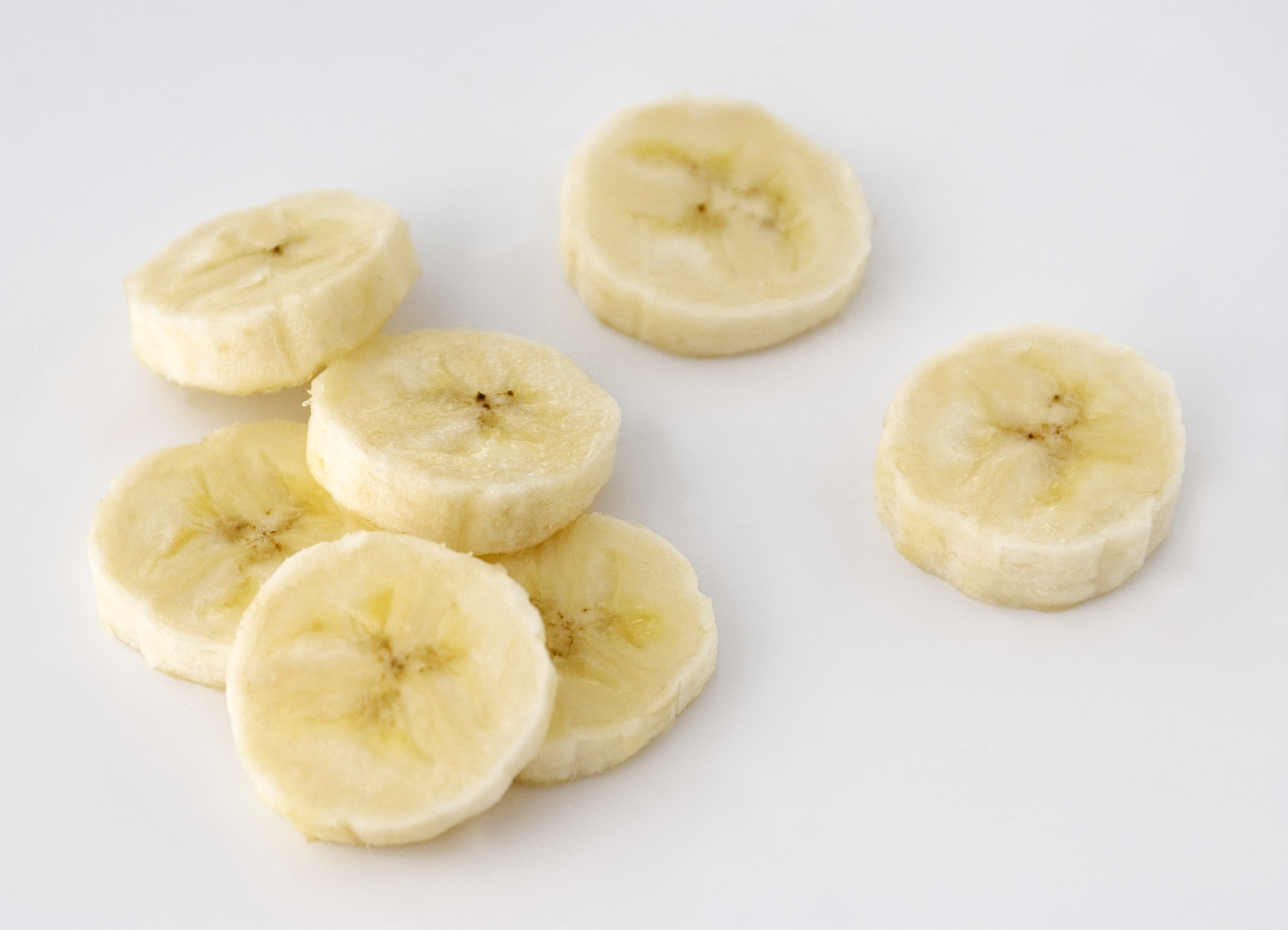 Sliced bananas.