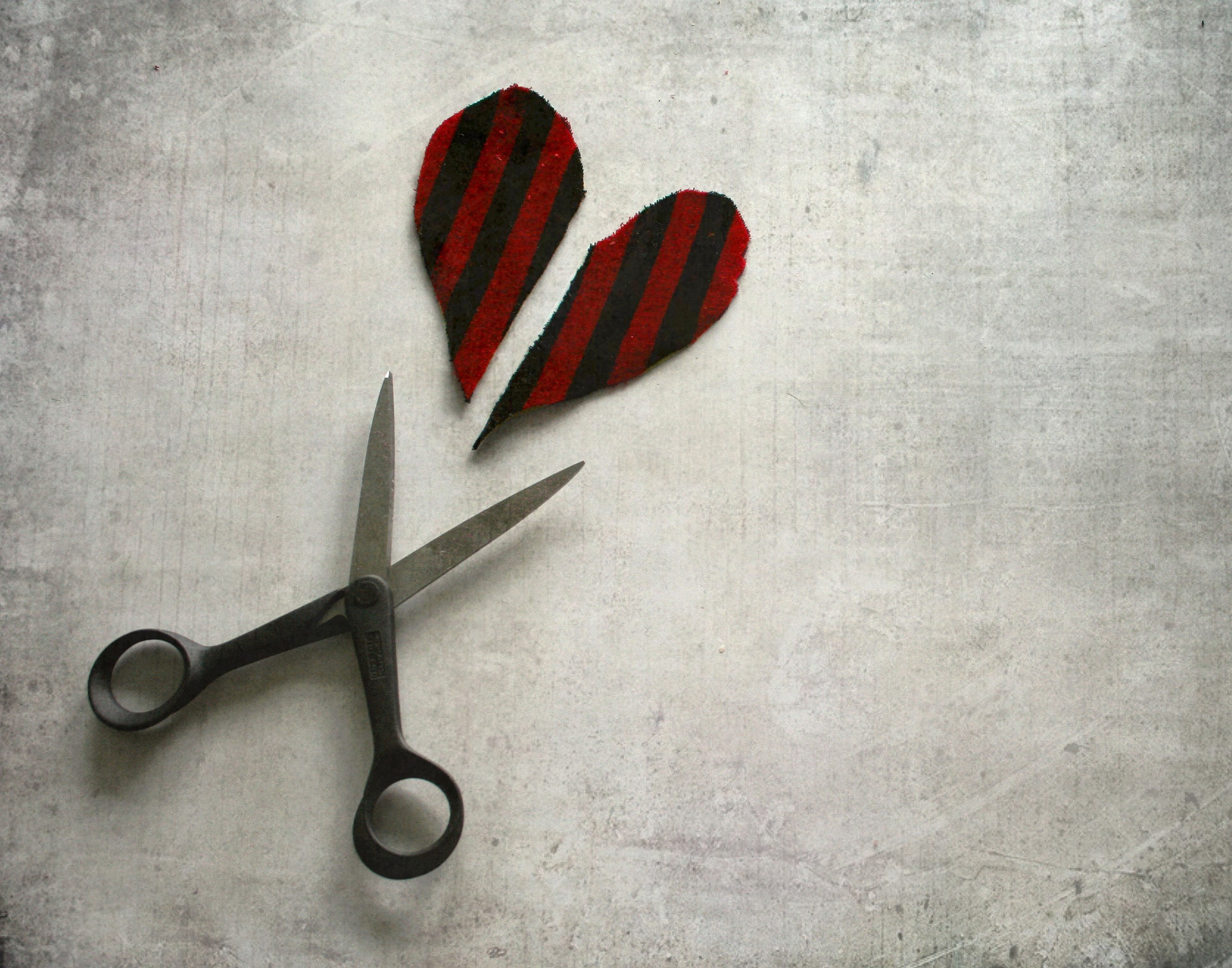 Felt heart and scissors
