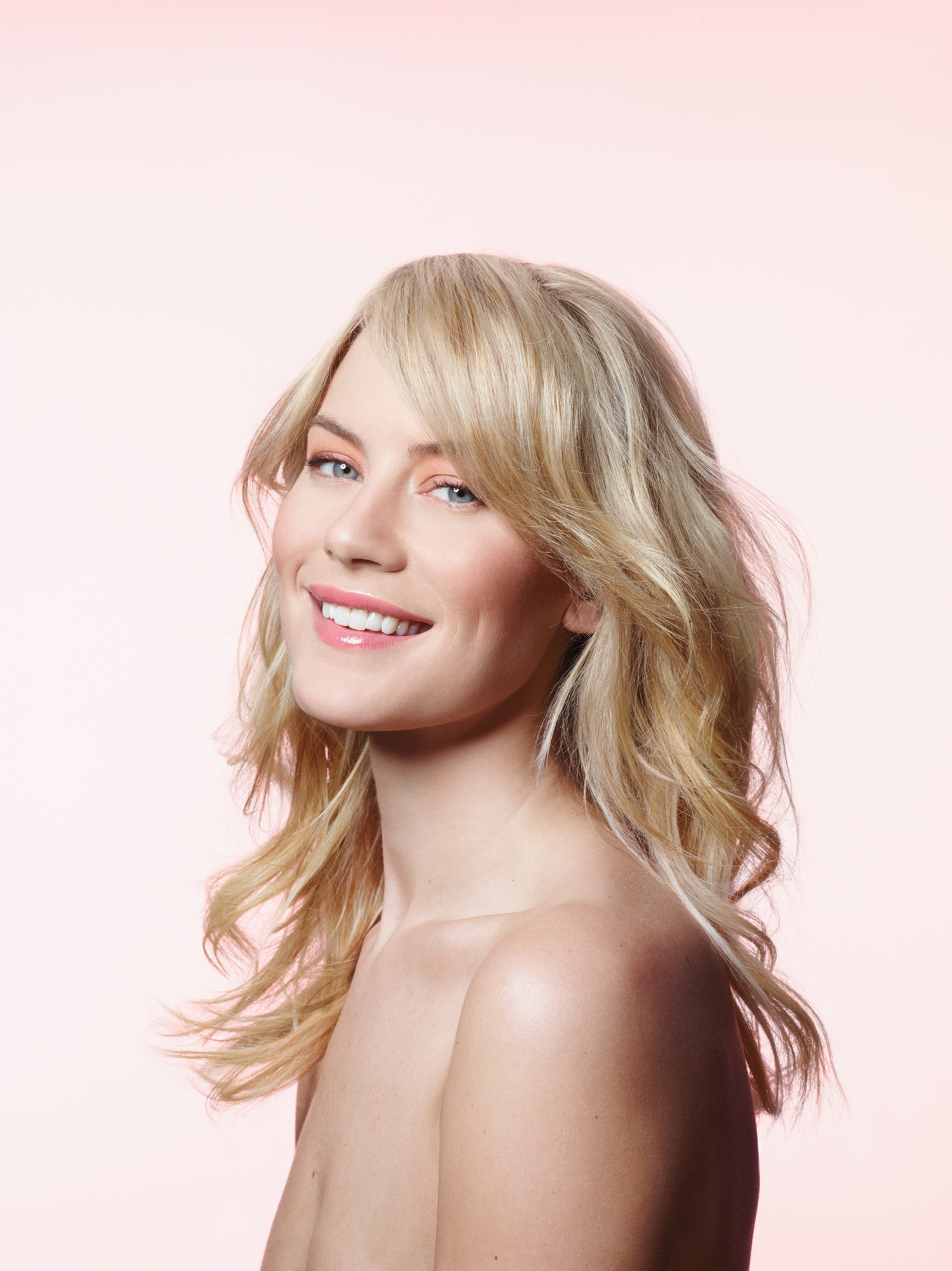 Model With Blonde Beachy Waves