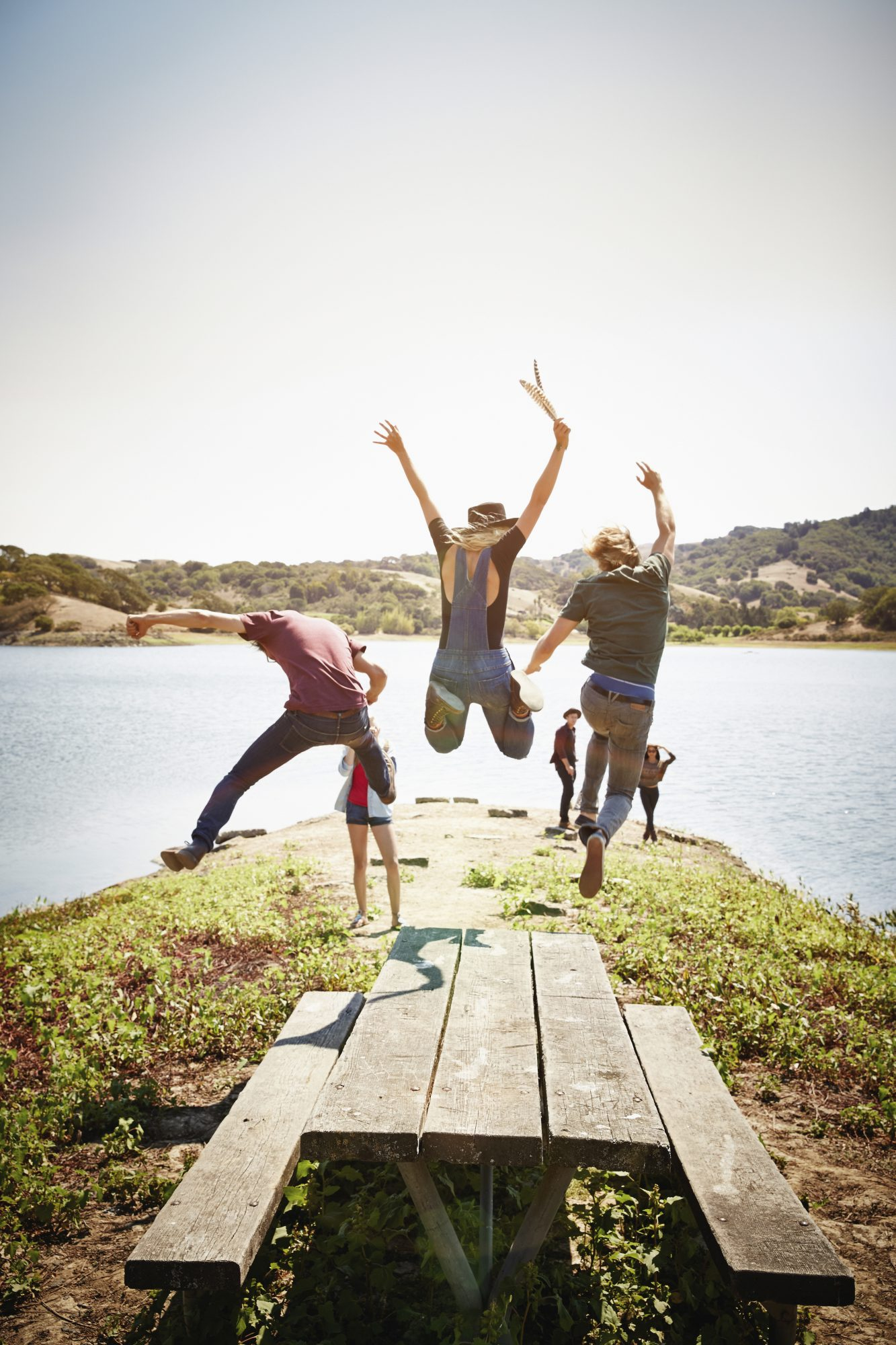4 Scientifically-Backed Ways Your Friends Make You Happy, Healthy, and More Successful