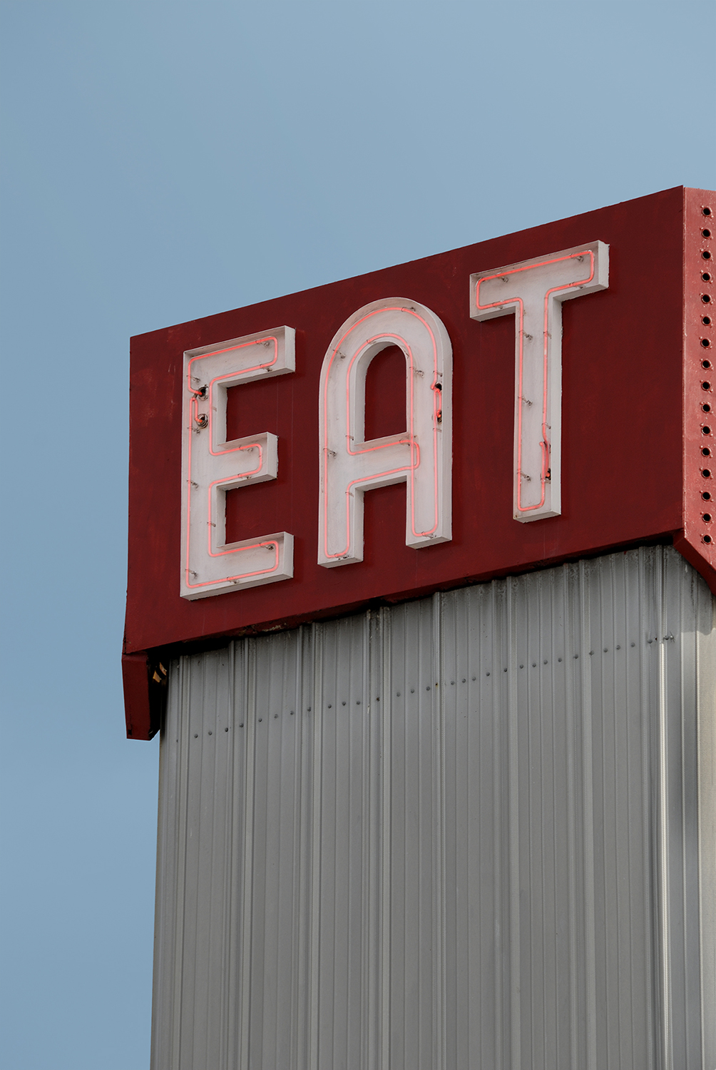 old-neon-eat-sign