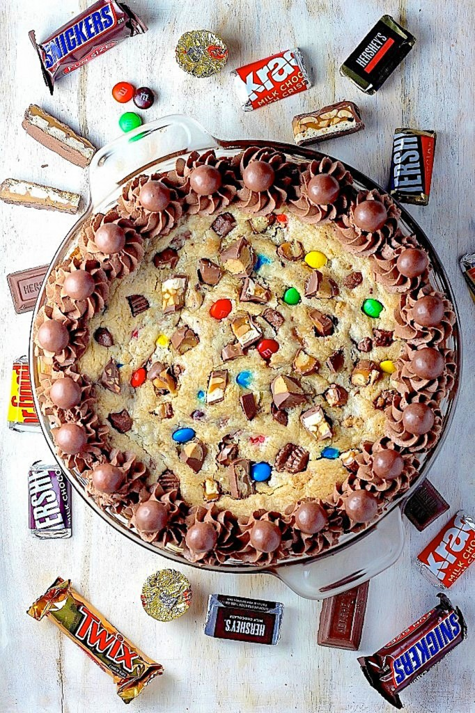 Halloween Candy Cookie Cake
