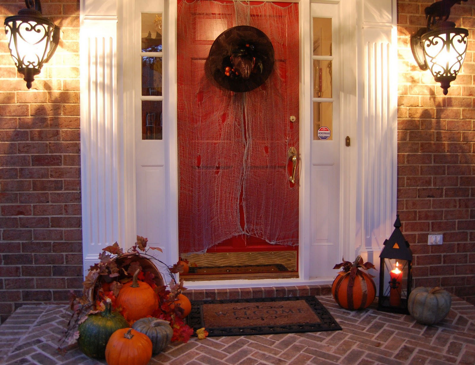 Simple and Spooky Front Porch