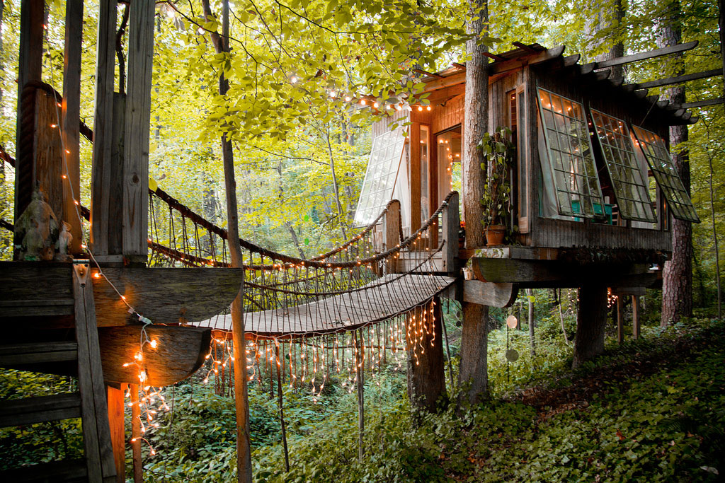 These Coveted Airbnbs Will Give You a Serious Case of Wanderlust