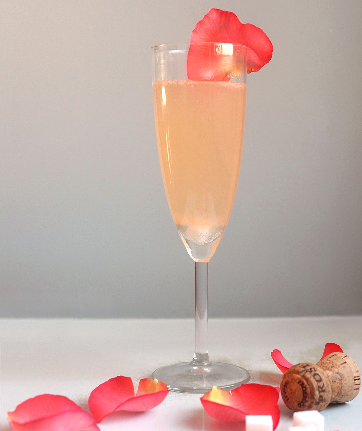 sparkling-rose-cocktail