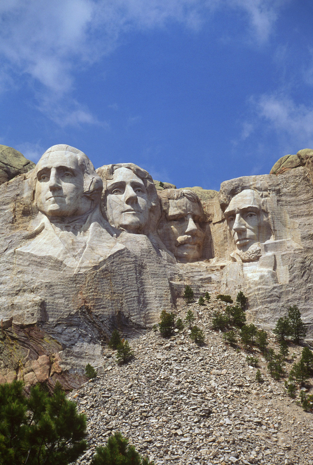 mount-rushmore-vertical