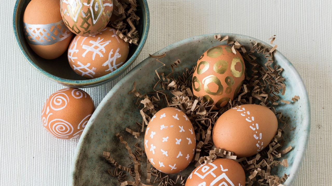 cleanup-free-easter-egg-decorating