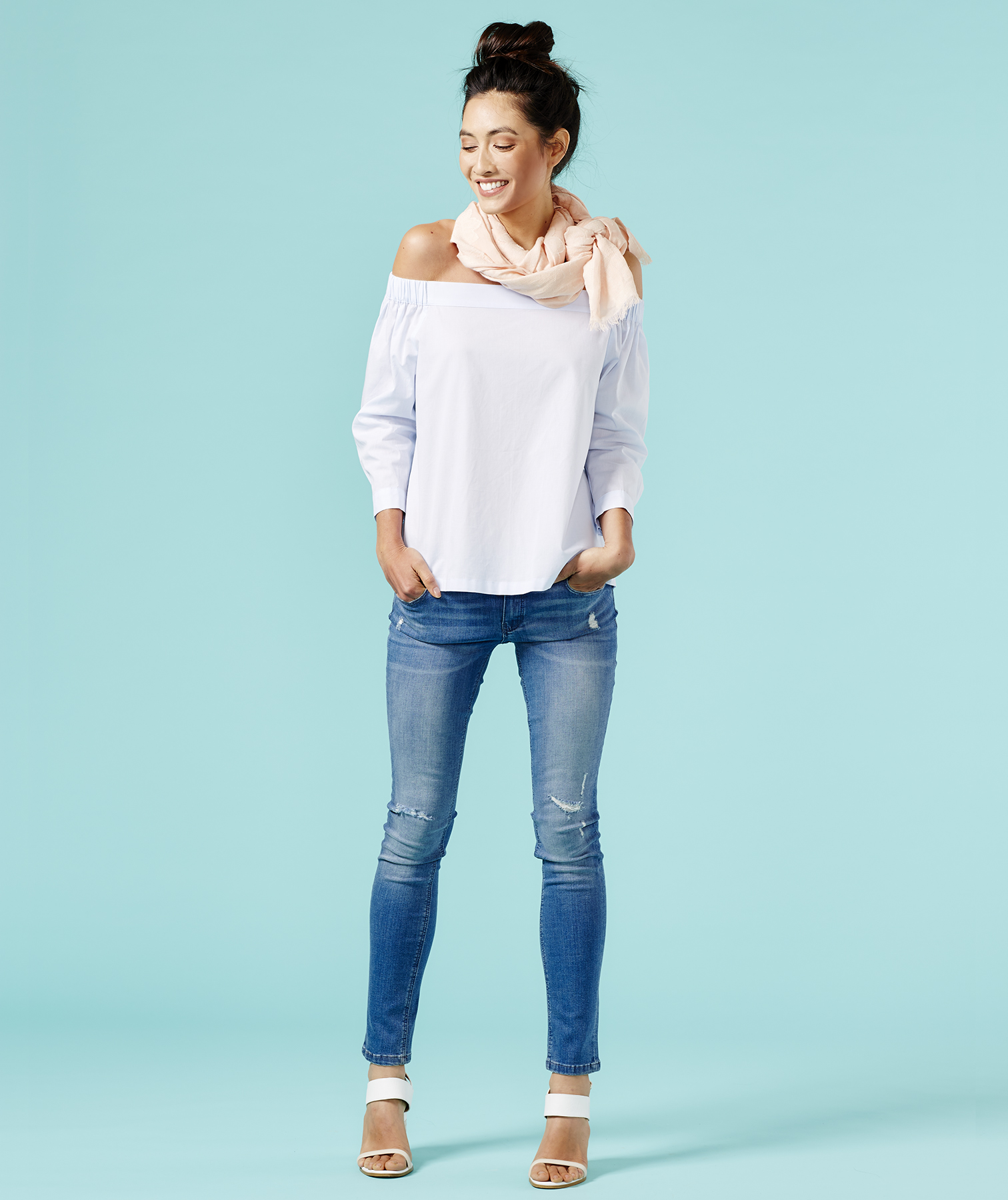 Outfit with off-the-shoulder top and jeans