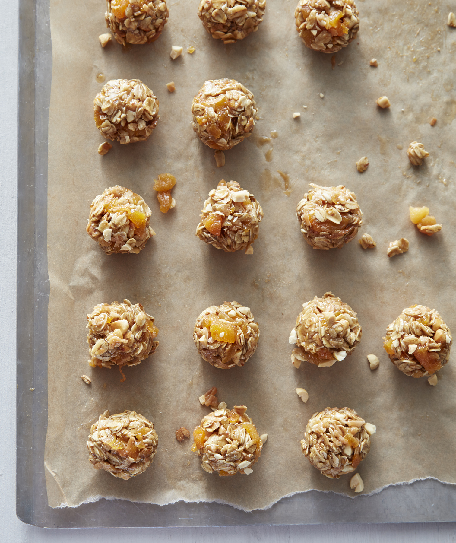 No-Bake Apricot and Oat Nuggets