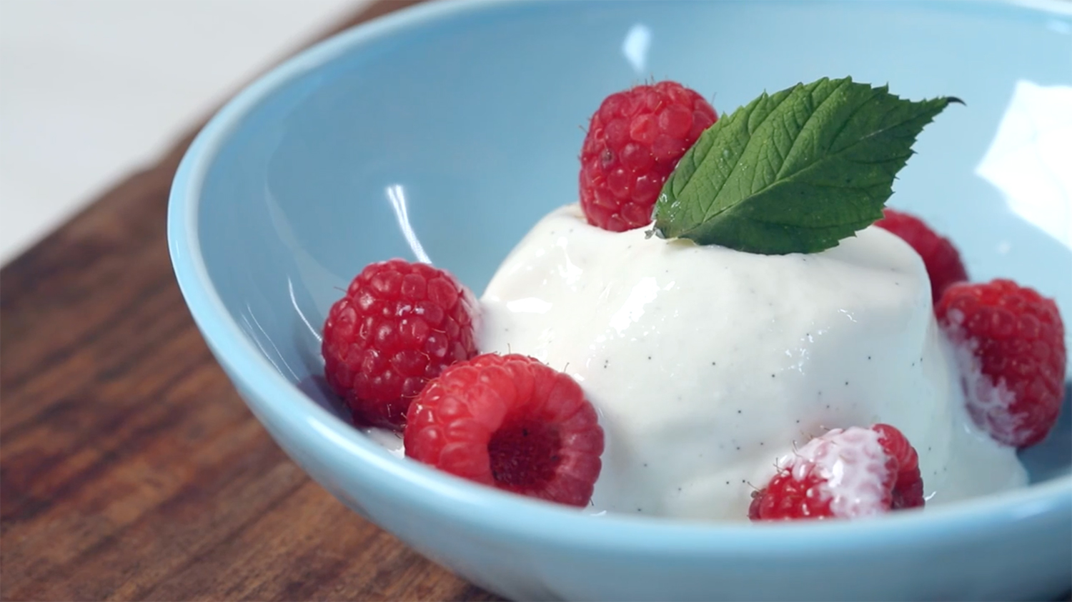 How to Make Homemade Frozen Yogurt