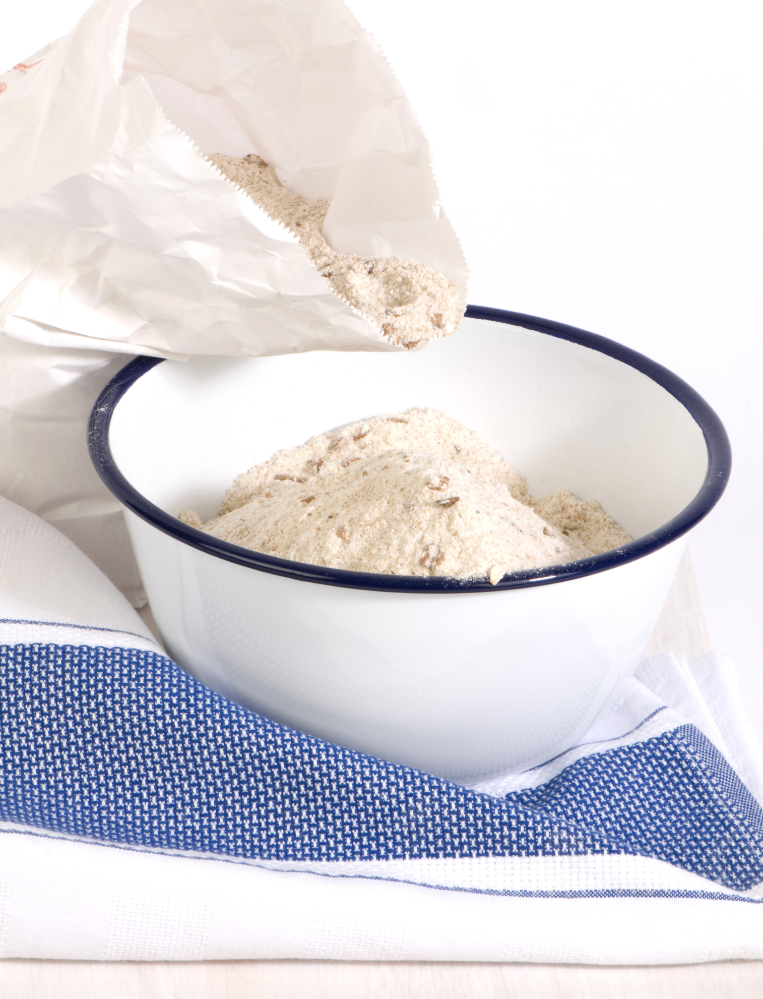 What's the Difference Between Cake Flour, Bread Flour