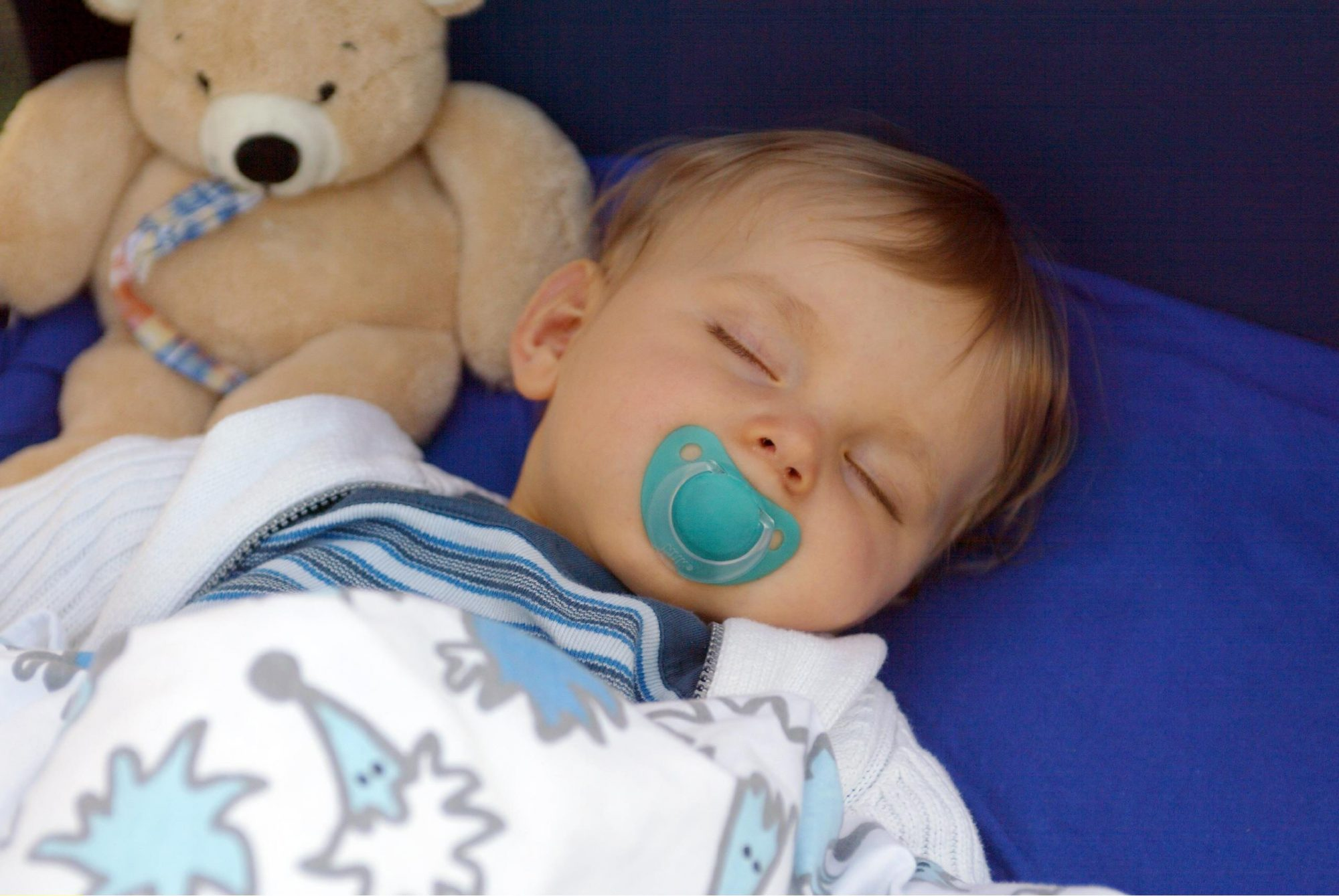 how to make your baby fall asleep