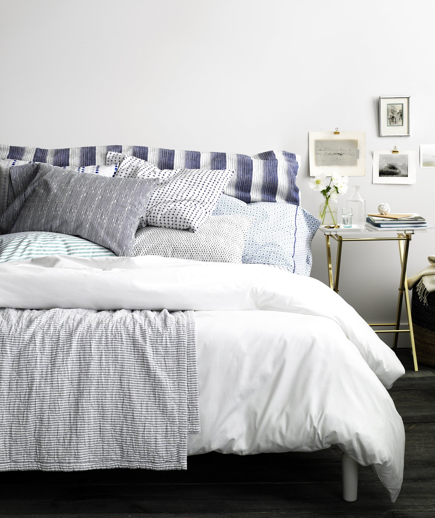 20 Decorating Tricks For Your Bedroom. Bed With Blue And White Linens