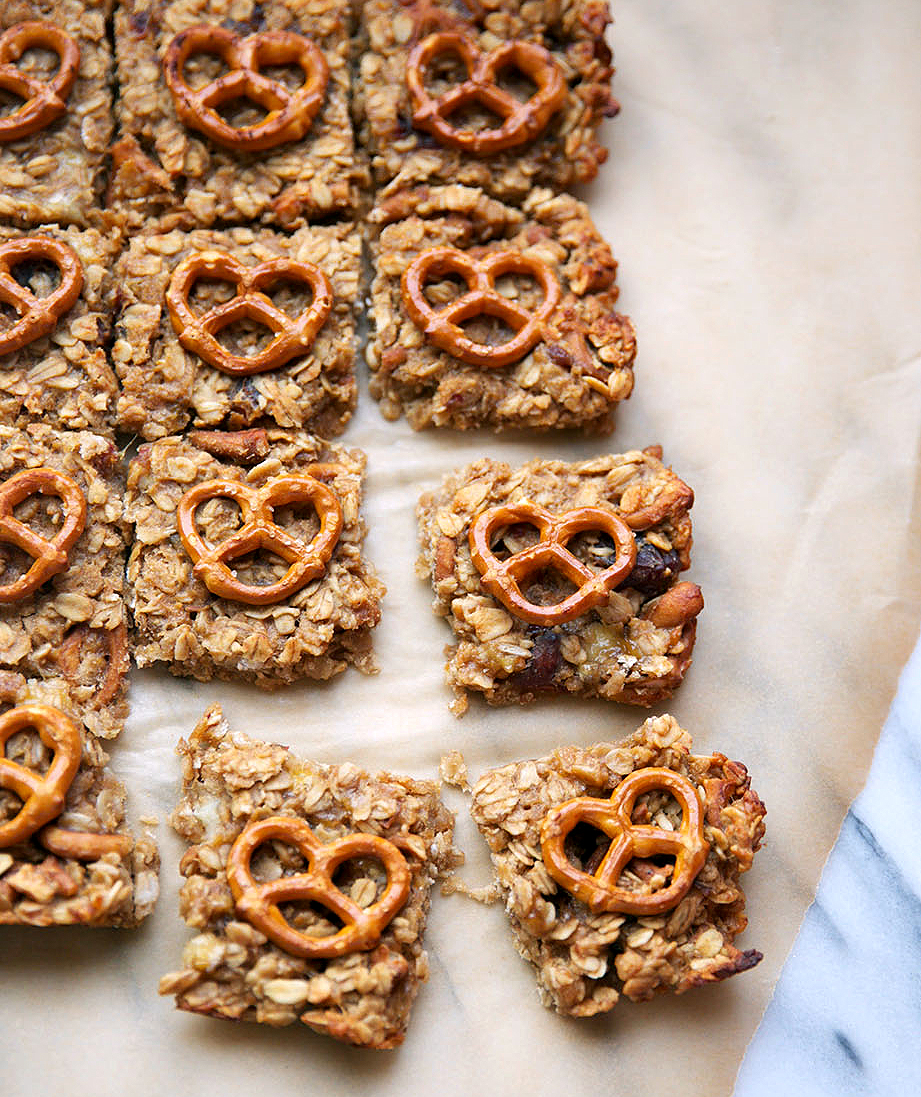 Peanut Butter Banana Pretzel Bars