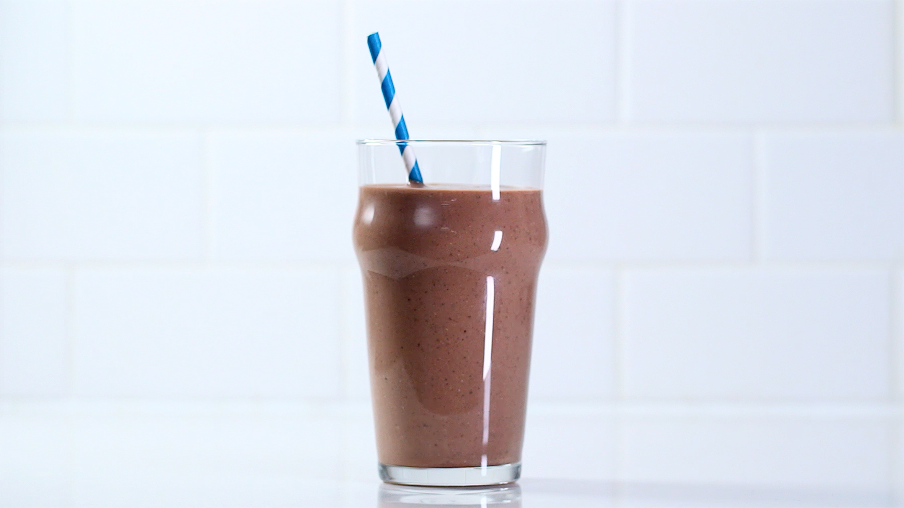banana-nutella-chia-smoothie