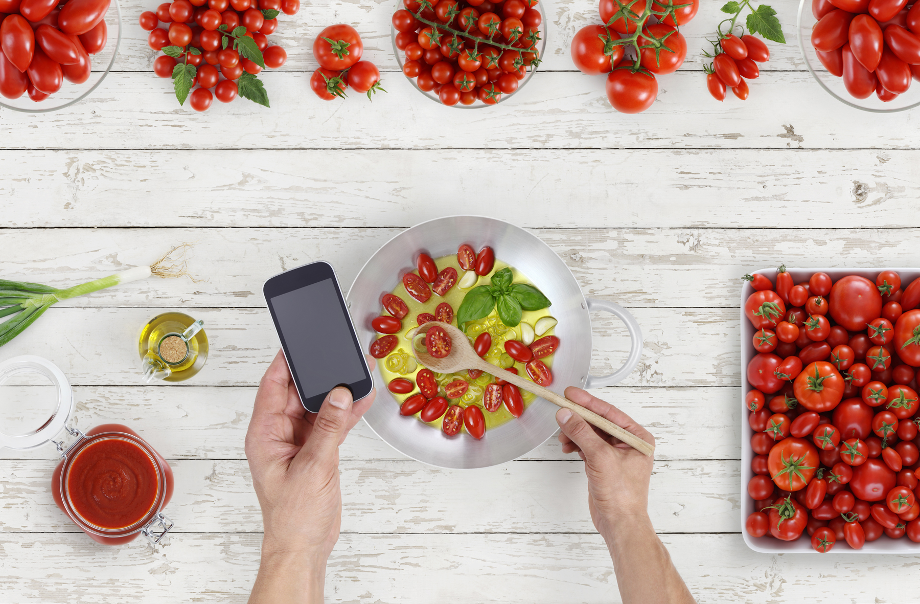 Meal planning apps - healthy meal prep with tomatoes