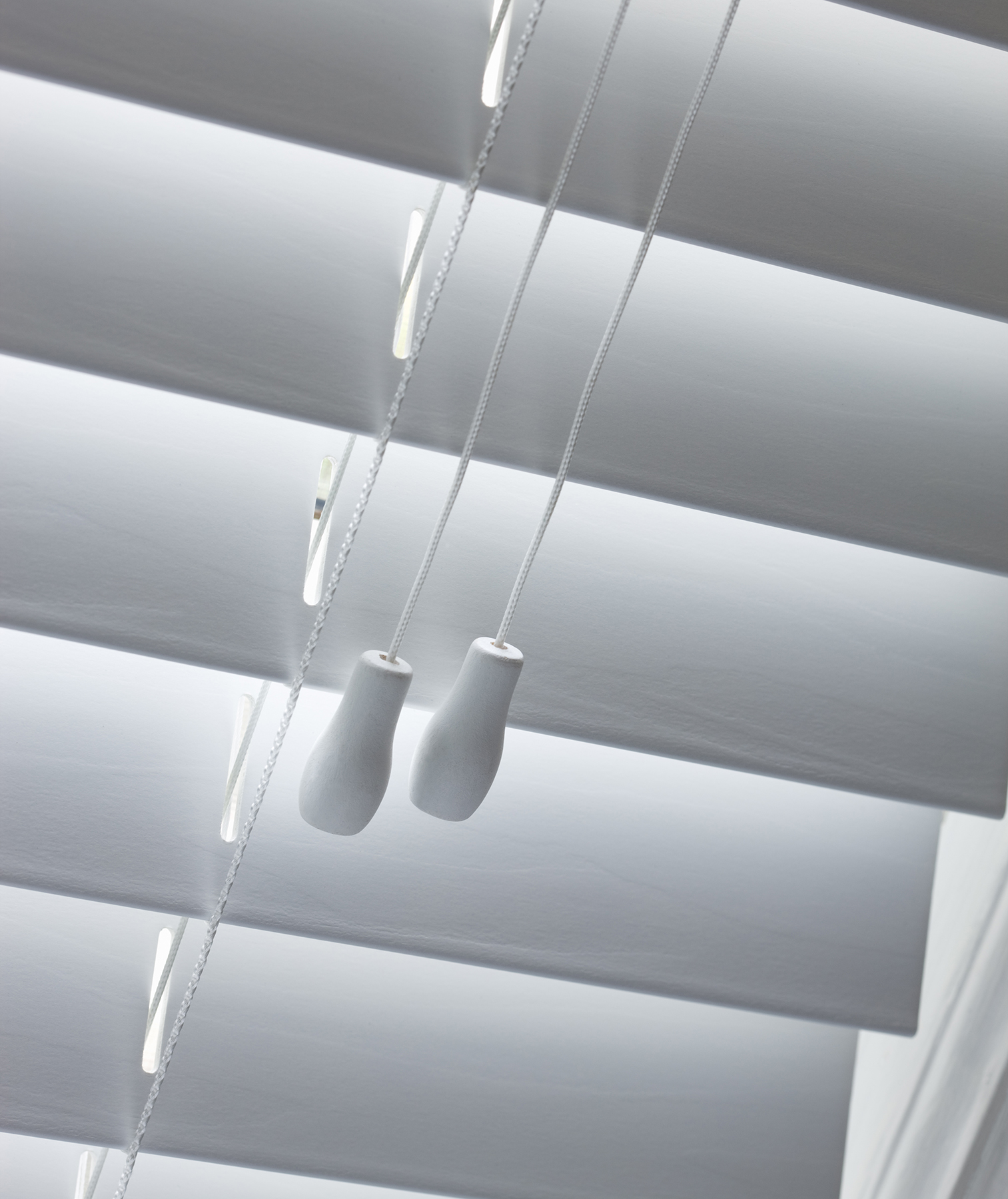 White wood blinds with draw string