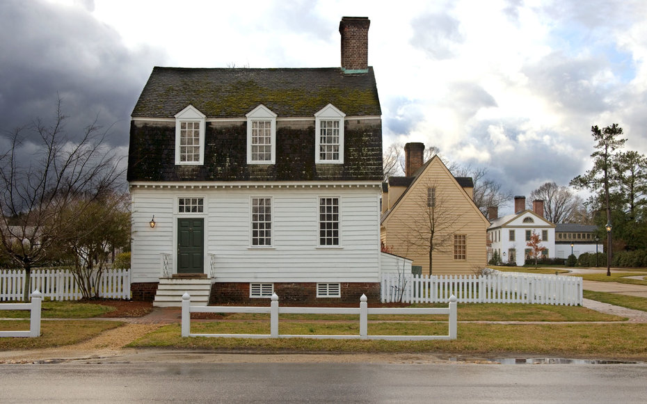 colonial-house