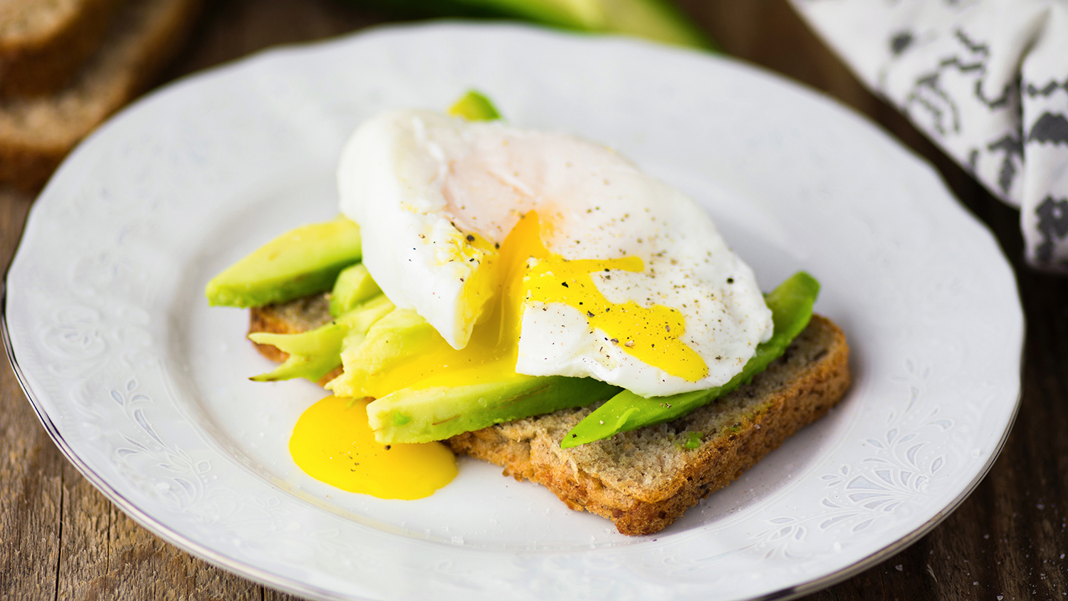Poached Egg and Avocado Healthy Toast