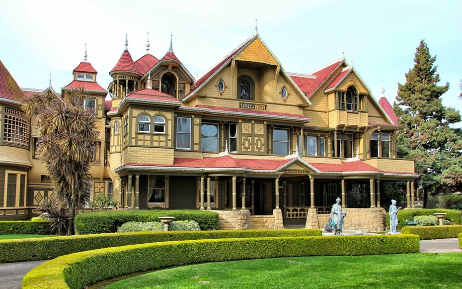winchester-mystery-house-room