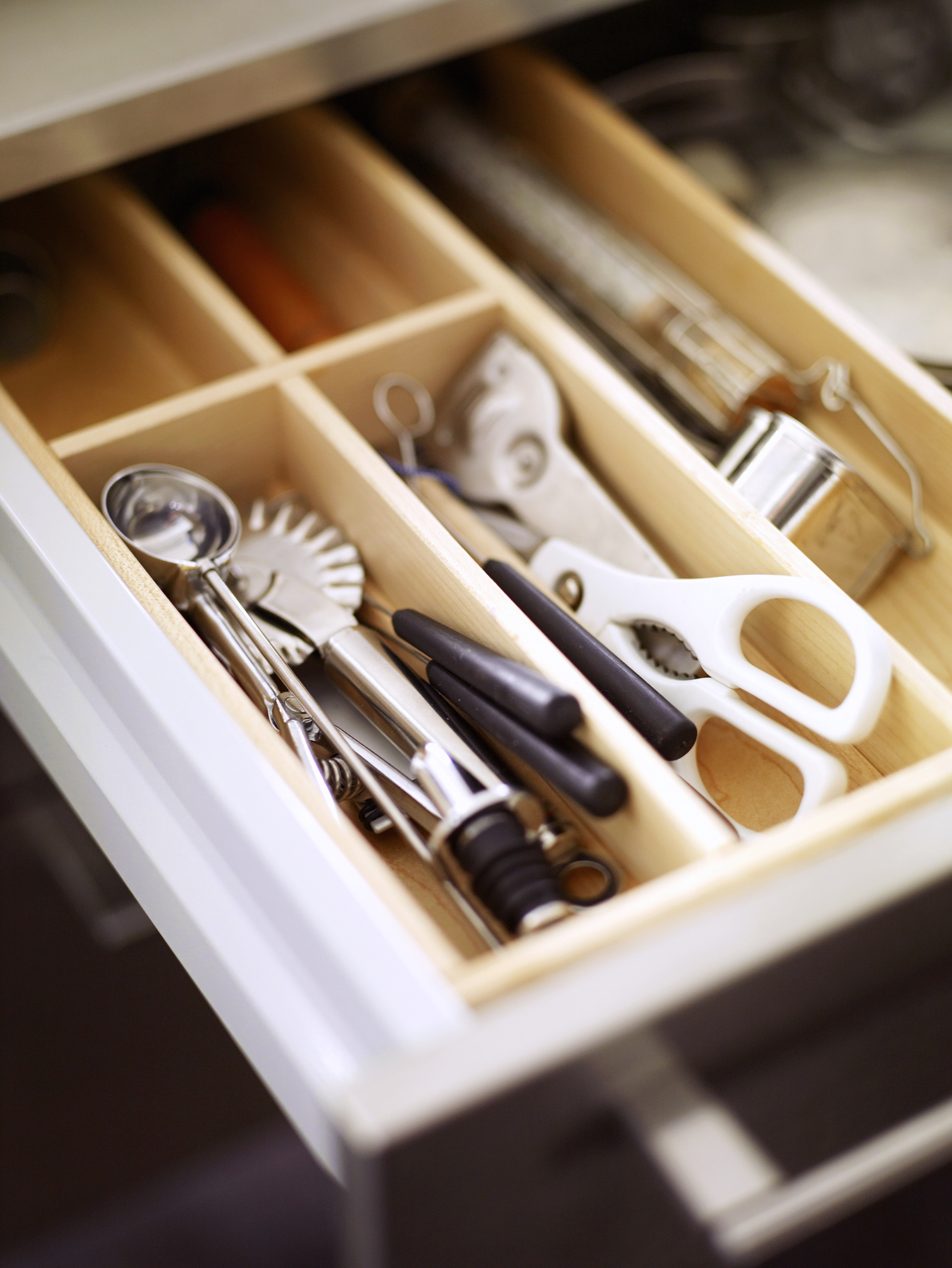 Utensil drawer