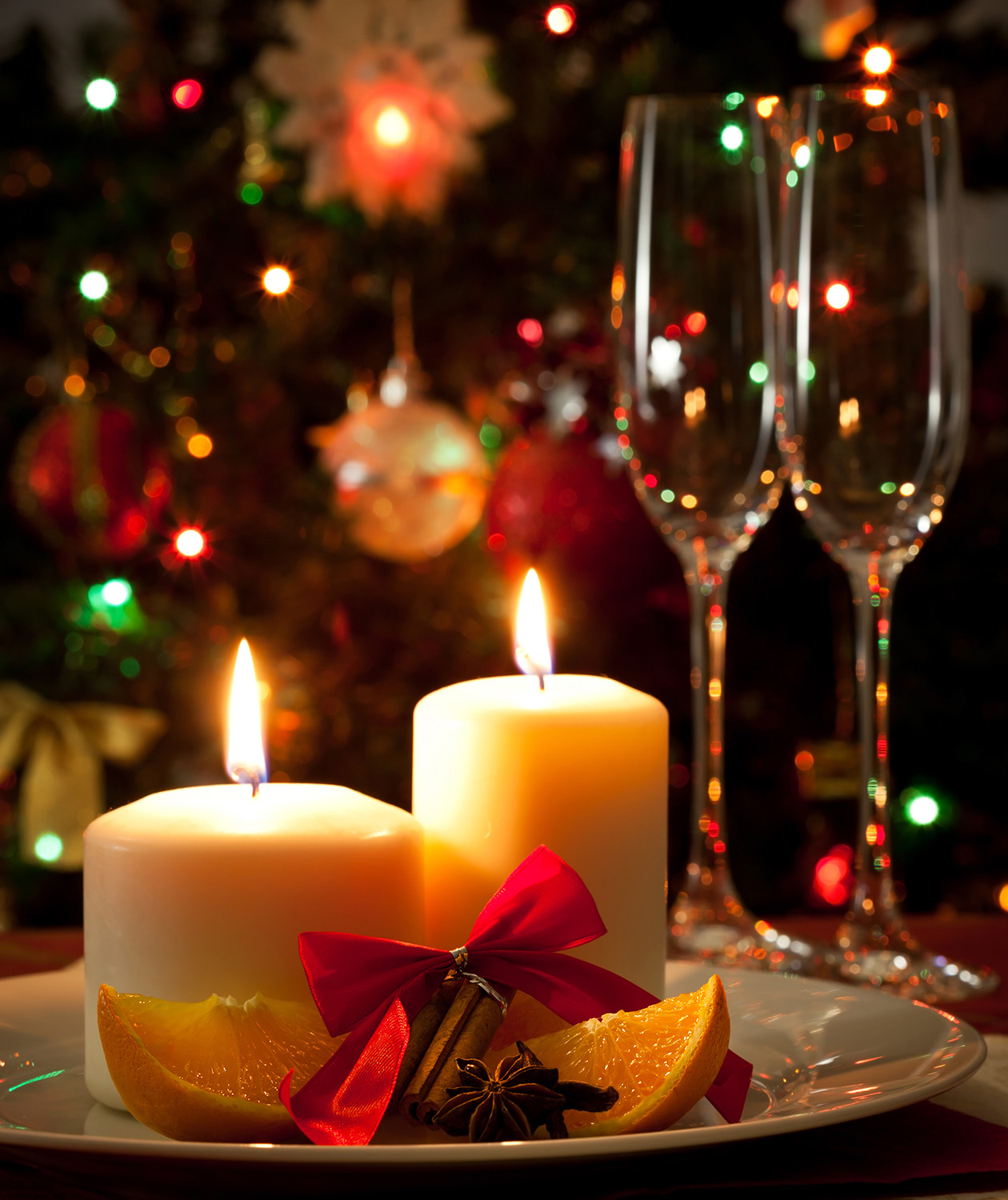 8 Decorating Tips From Professional Holiday Window