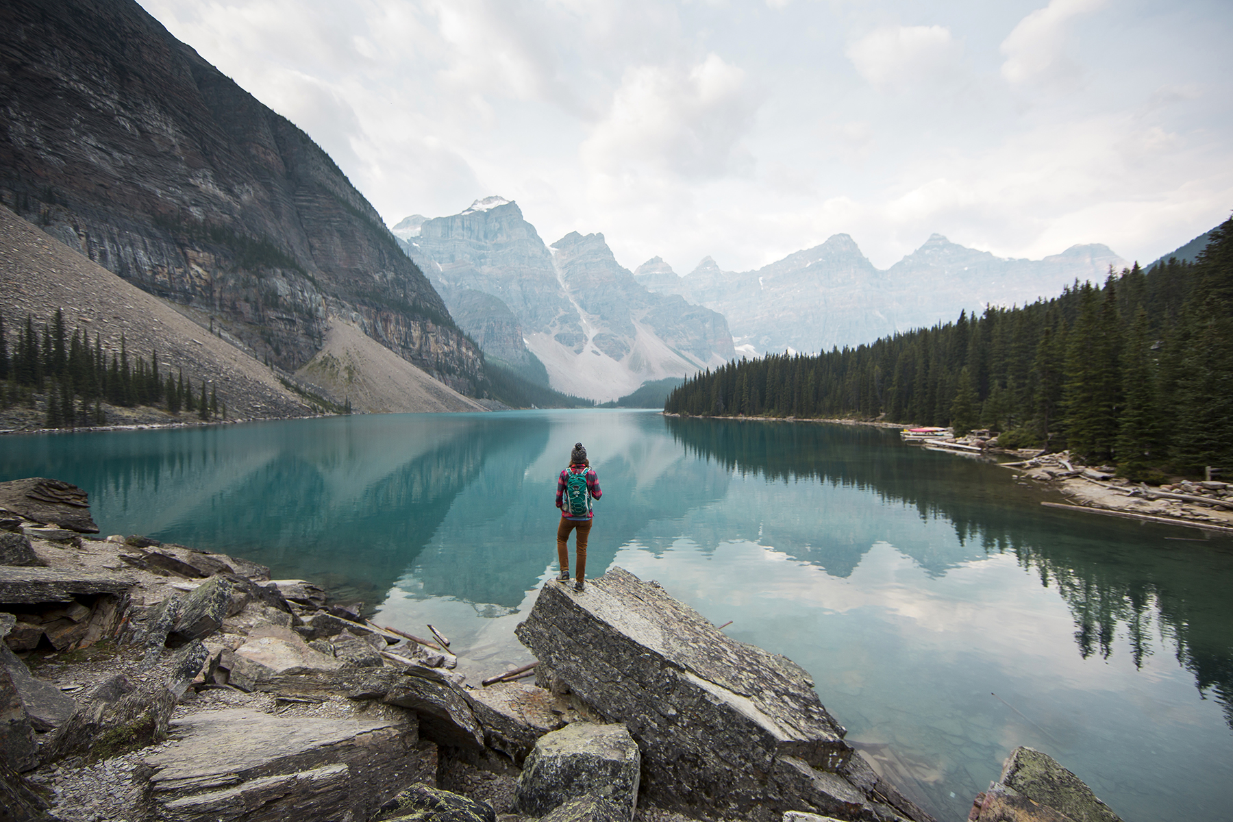 Hiking around Moraine Lake