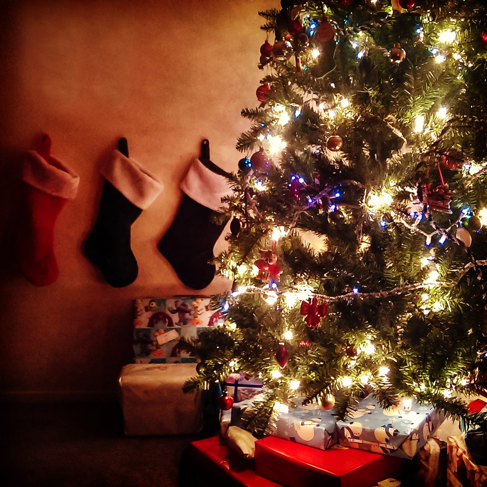 xmas tree with stockings