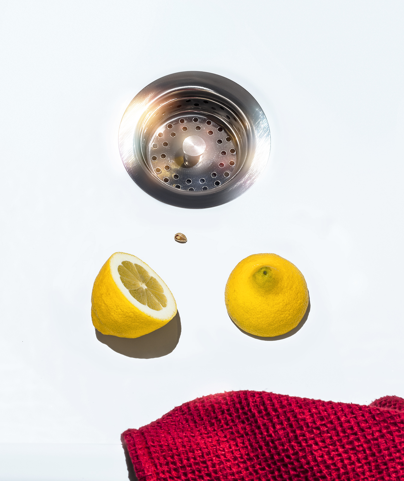 Sink with lemon
