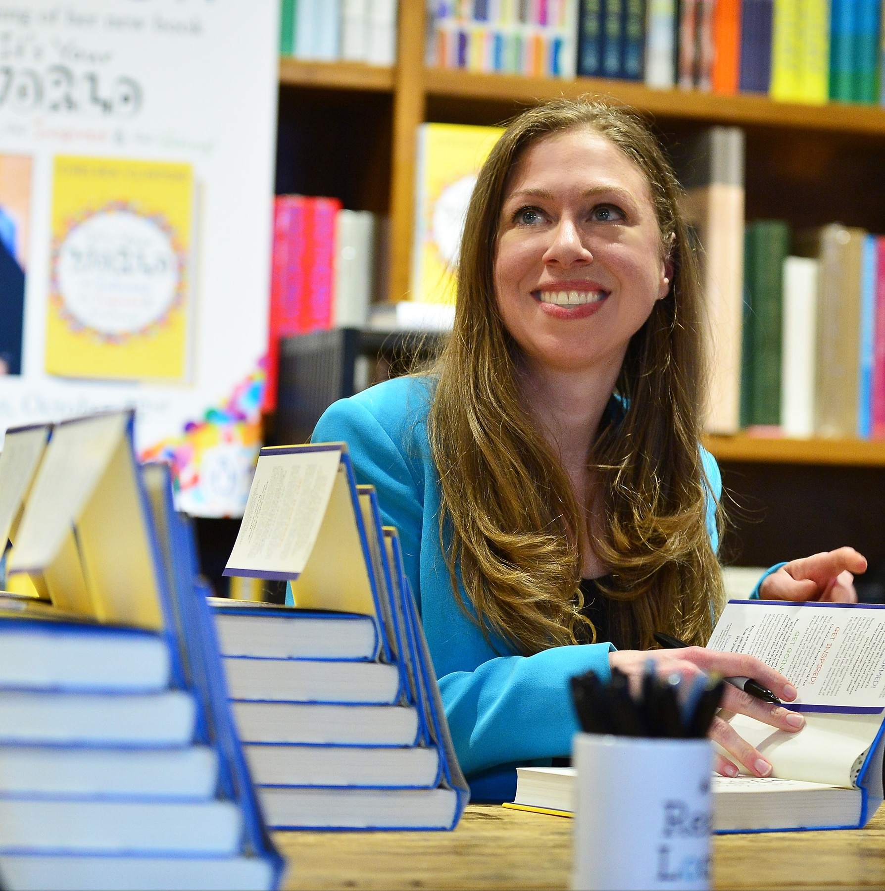 Chelsea Clinton at bookstore