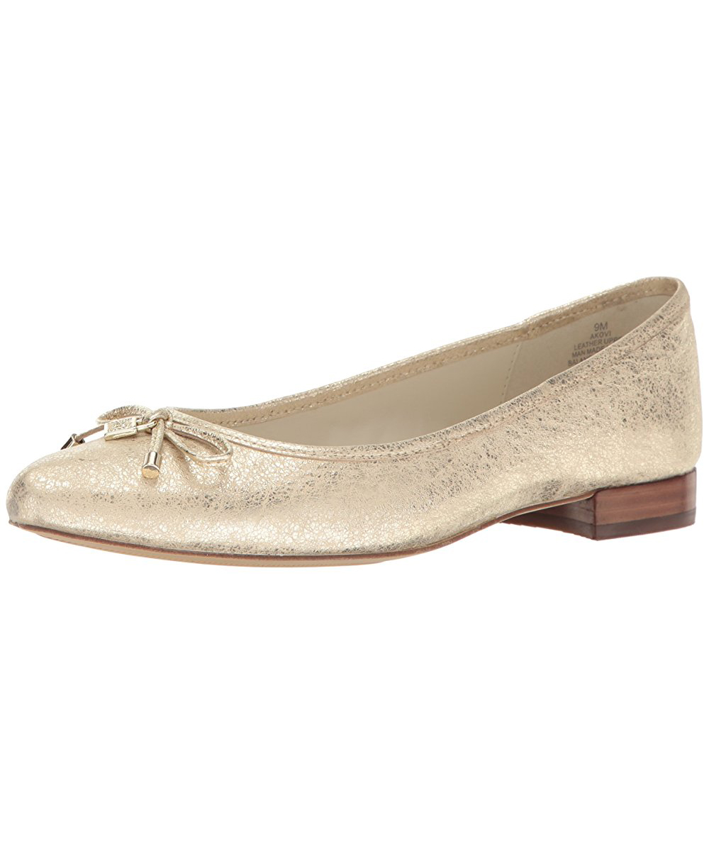 ecfb25693cc3 These Are the Only Shoes You Need in Your Closet