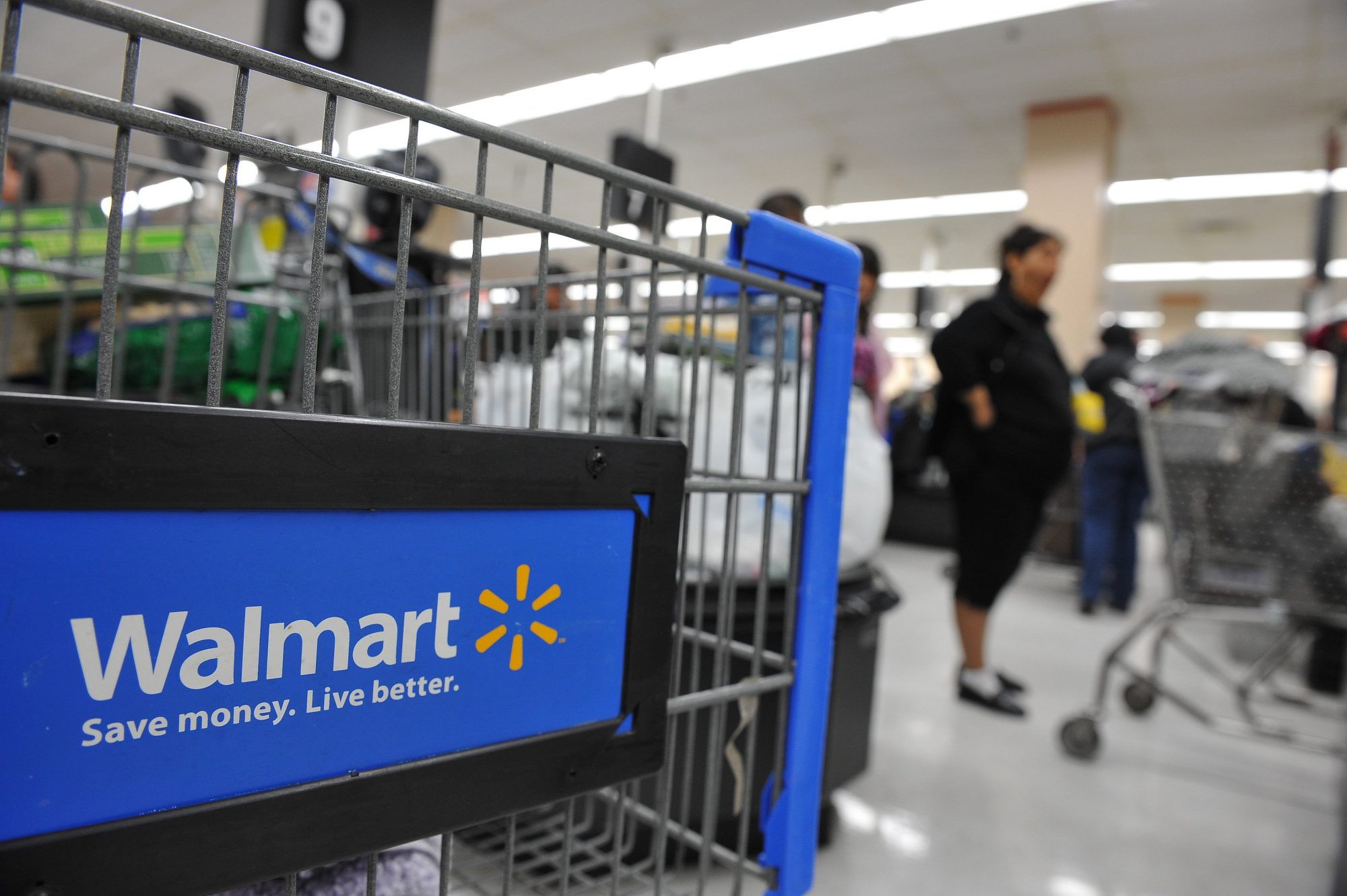 What Shoppers Need to Know About Walmart's New Discount Program
