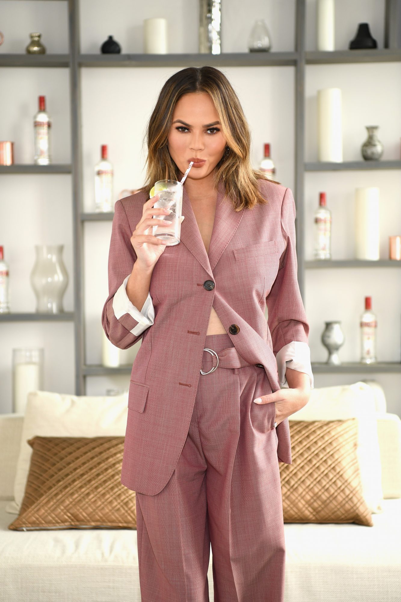 chrissy-teigen-cocktail
