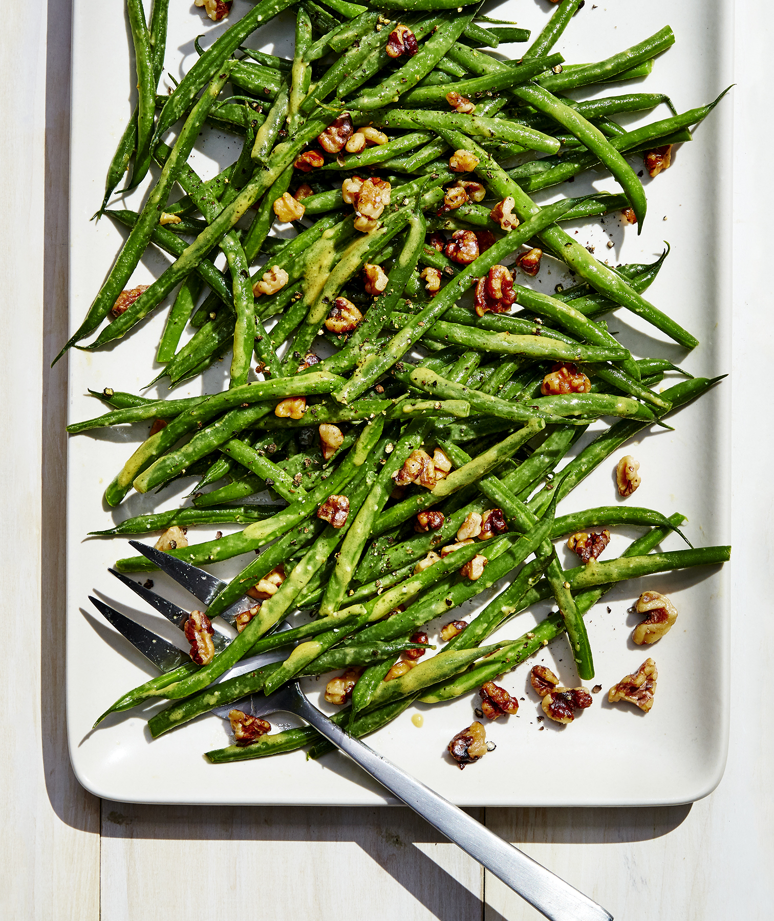 Green Beans With Miso, Mustard, and Walnuts