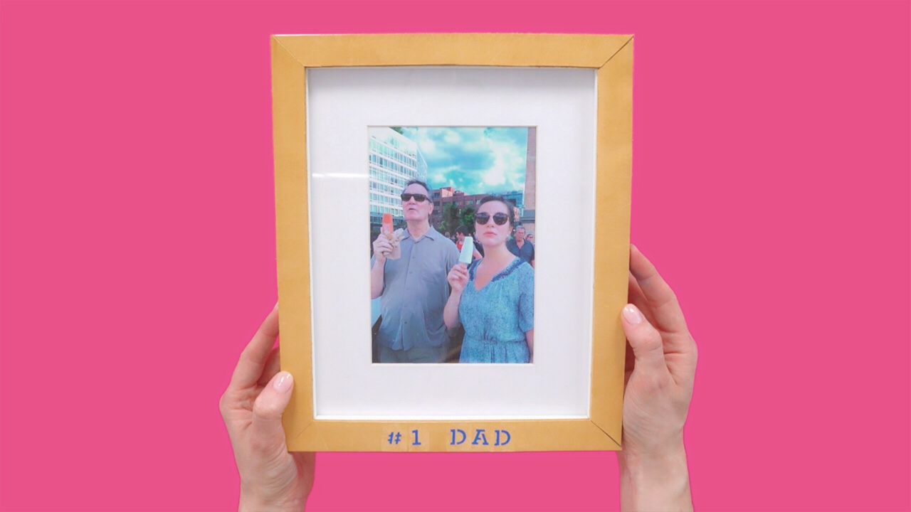 Video: Sophisticated Father\'s Day Frame | Real Simple