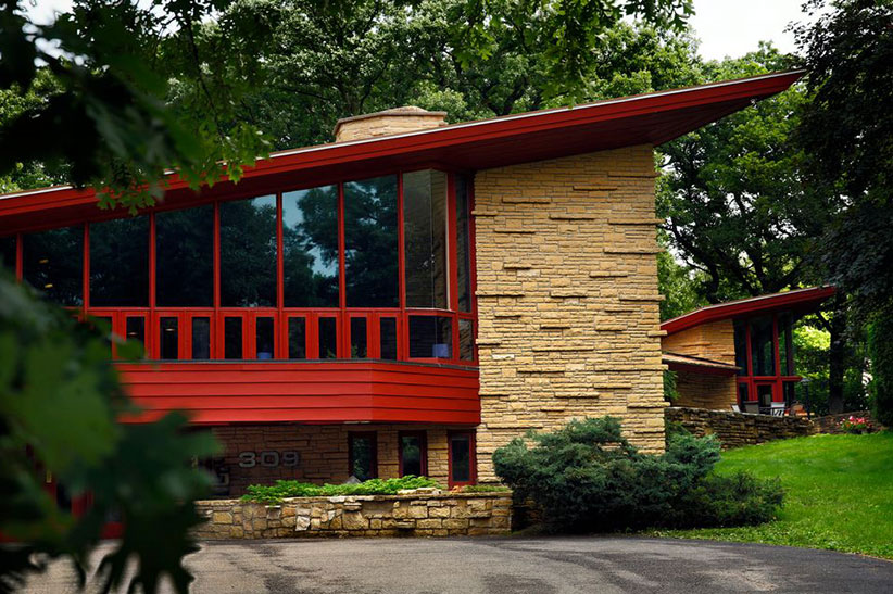 5 Frank Lloyd Wright Buildings You Can Spend The Night In