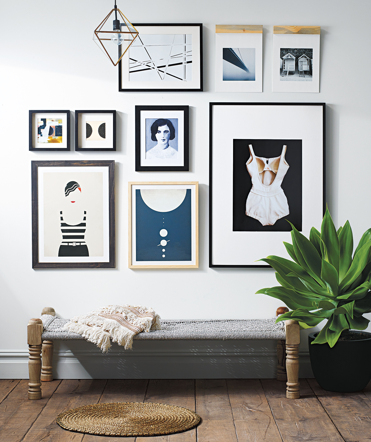 grid-like-gallery-wall