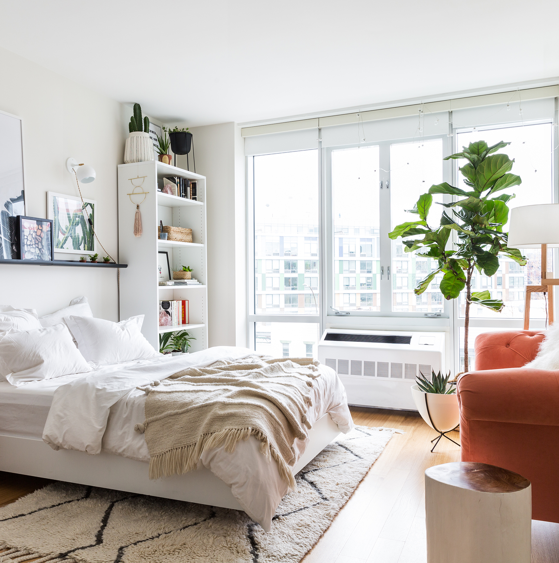 Bedroom with air vent and fig tree