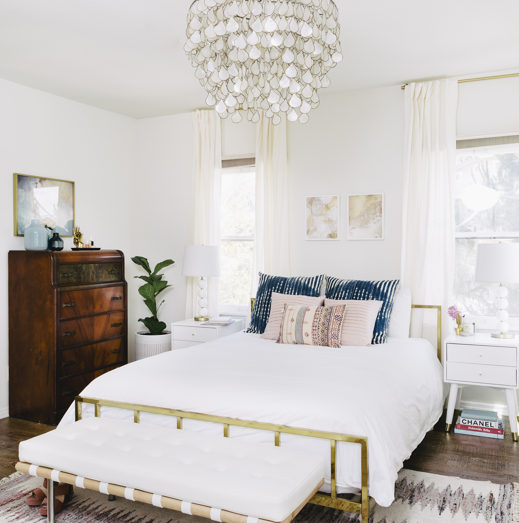 Bedroom with summer-ready bed