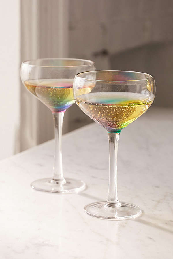 These Cocktail Glasses Turn Your Drinks Into Rainbows