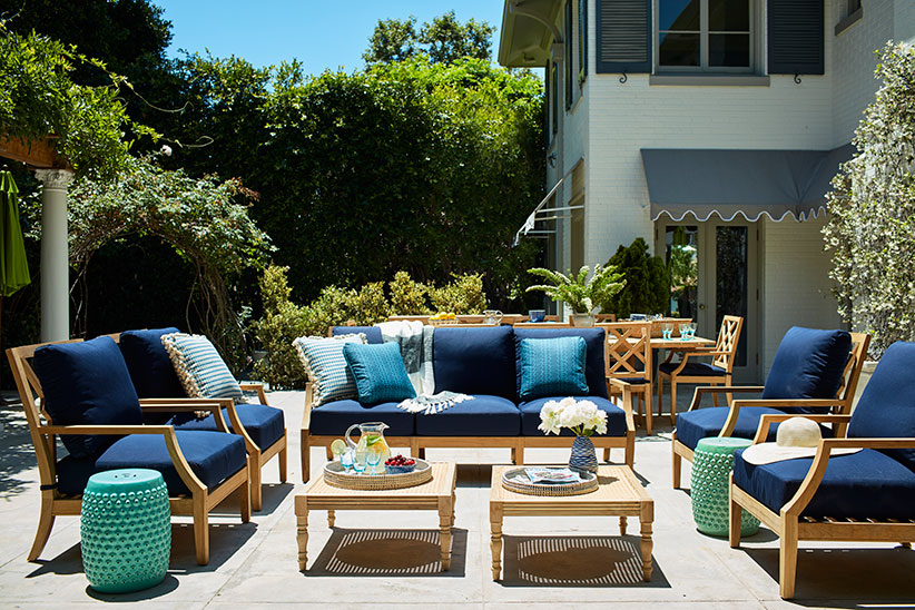mindy kaling outdoor seating
