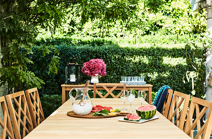 mindy kaling patio table