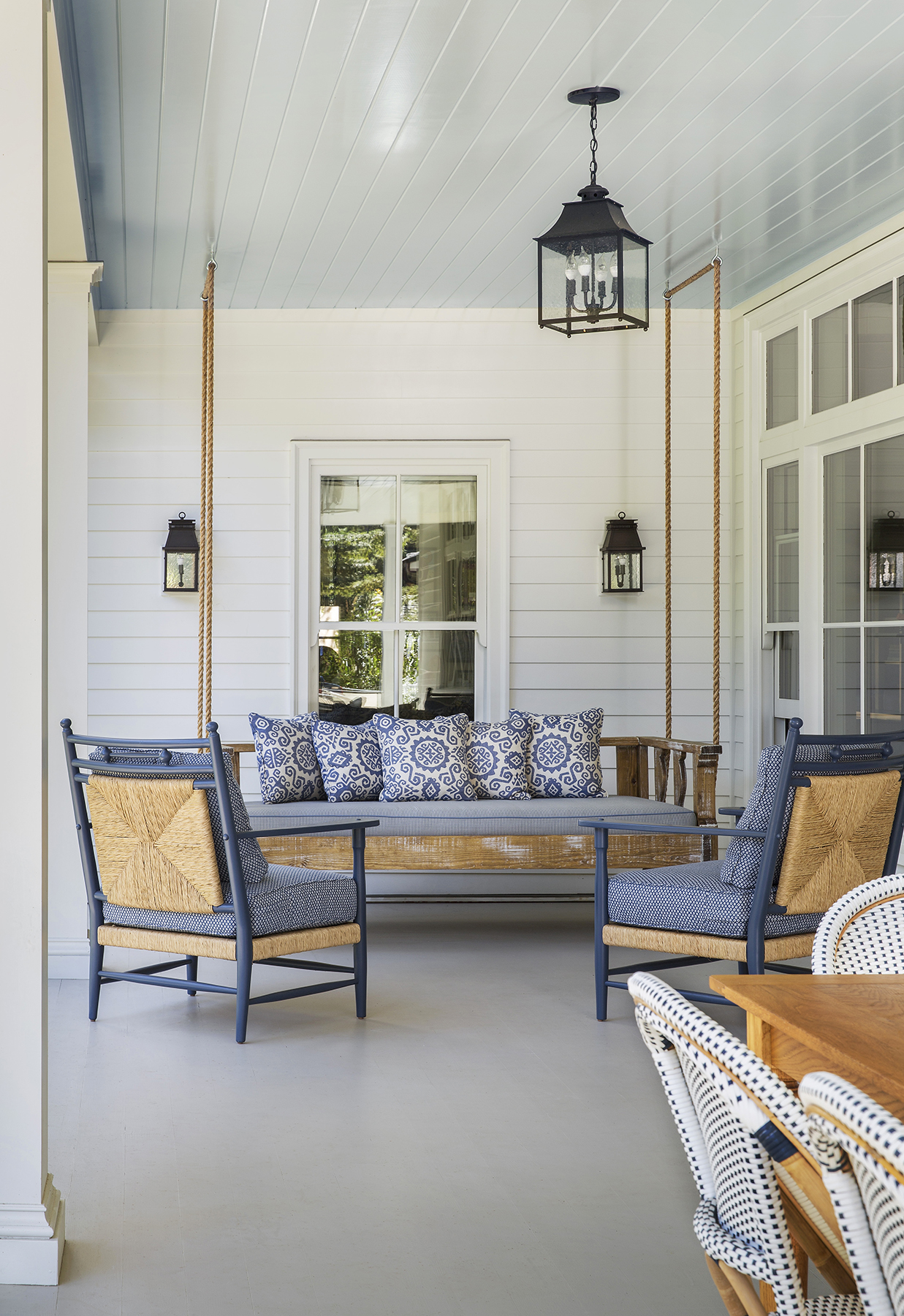 Southern Living Blue Porch Ceiling: Why So Many Southern Porches Have Blue Ceilings