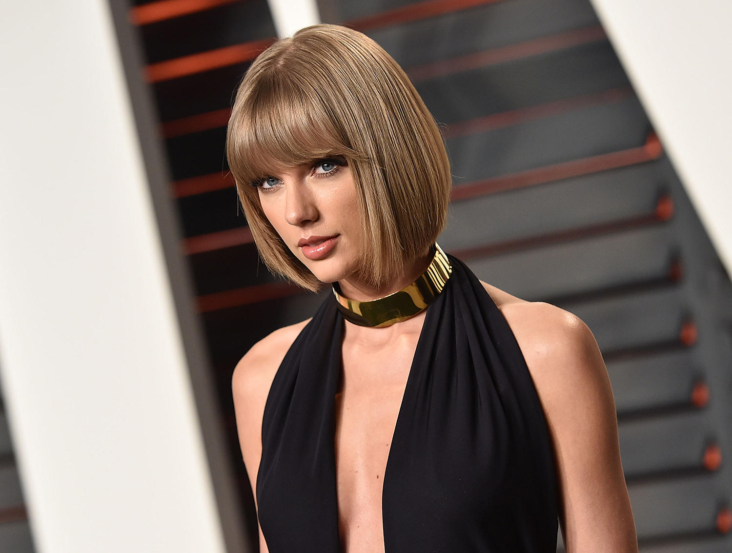 Taylor Swift Just Deleted (Almost) Everything From Her Social Media Accounts