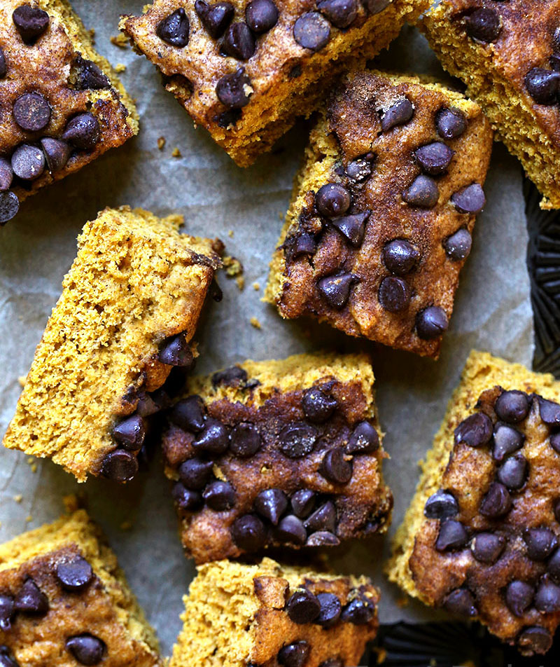 Pumpkin-Chocolate Chip Cake
