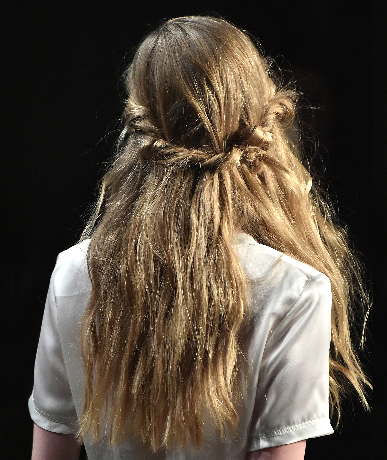 The Easy Hairstyle That S Taking Over Pinterest Real Simple