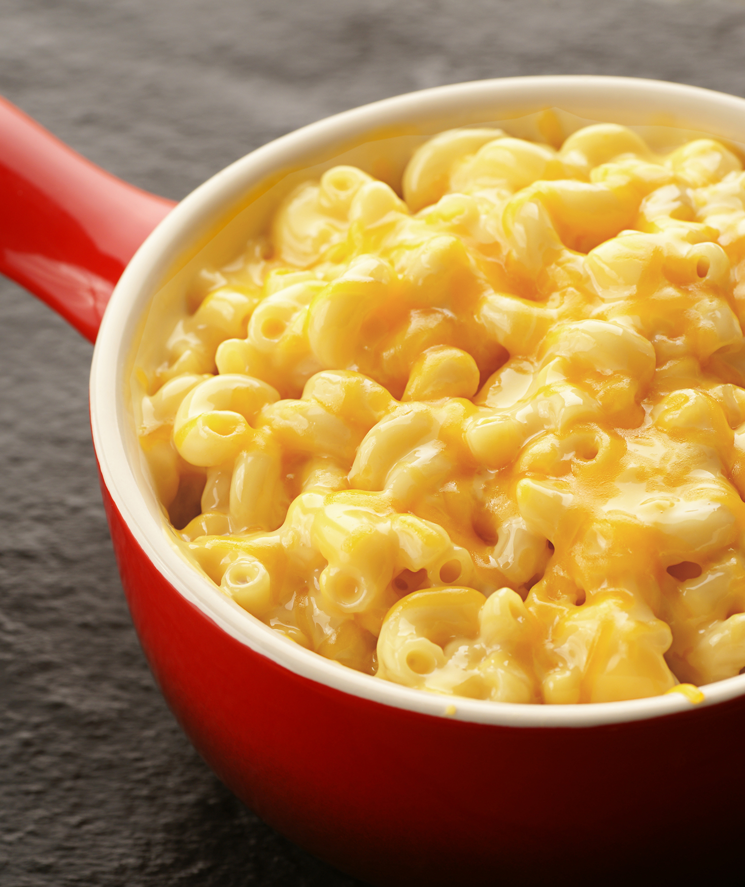 Macaroni and cheese in red pot